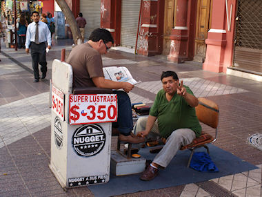 Shoe shine in Santiago